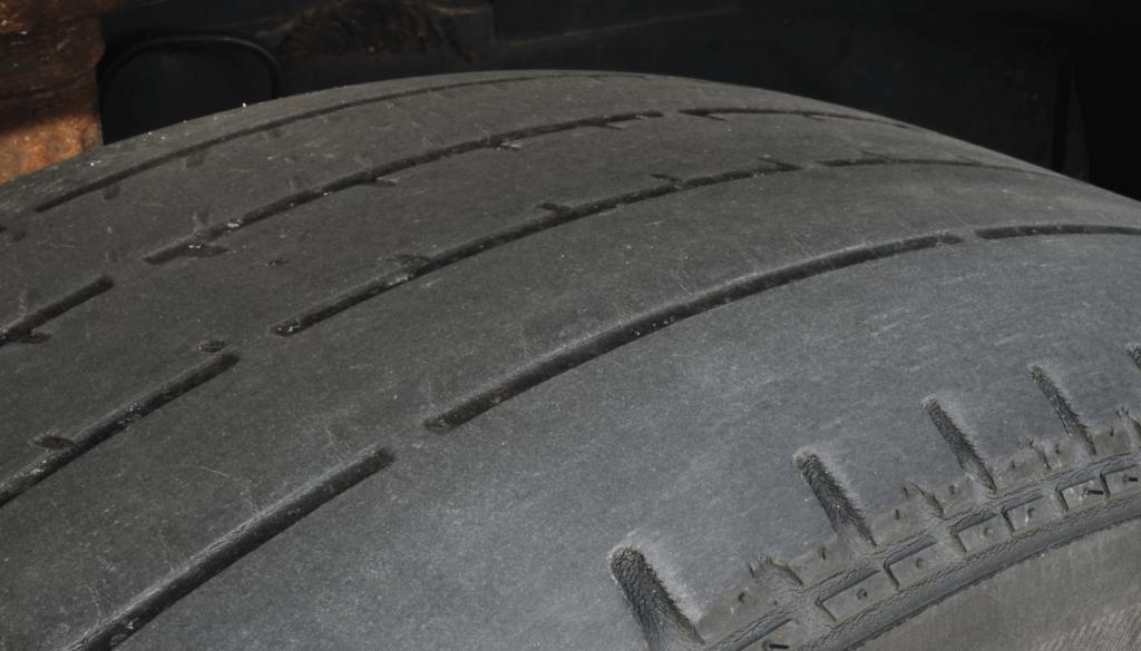 entenda como prevenir pneus carecas na sua frota